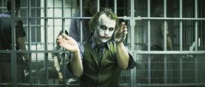 Heath Ledger es el Joker en El caballero oscuro