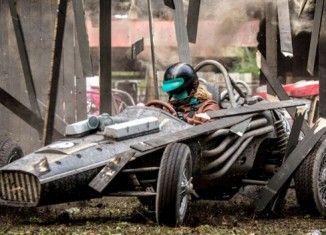 Crítica película V8 Arranquen sus motores