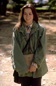 Linda Cardellini en la serie Freaks and Geeks