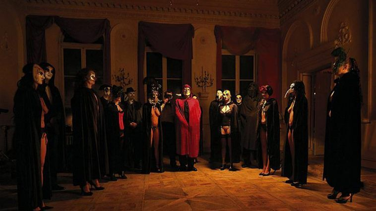 eyes-wide-shut-pic-4_758_426_81_s_c1