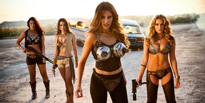 Machete Kills con Sofia Vergara y Alex Vega y