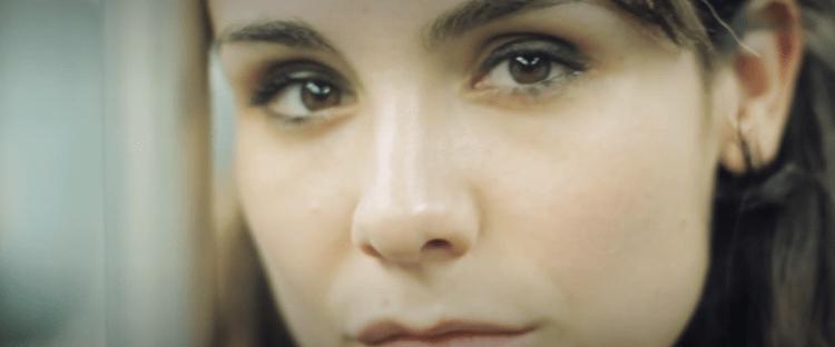 Laura, Historia de una flor, En un mometo - Filmfilicos Blog de cine